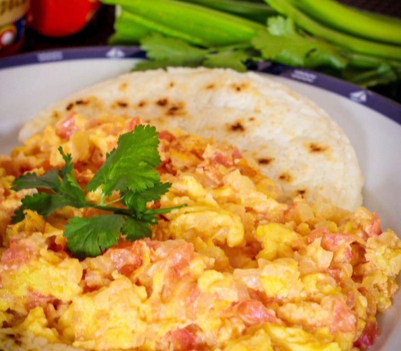 Huevos pericos en Benidorm, restaurante colombiano en Benidorm